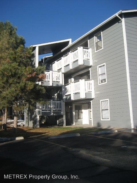 2 Bedrooms 2 Bathrooms Apartment for rent at 420 S Depew St in Lakewood, CO