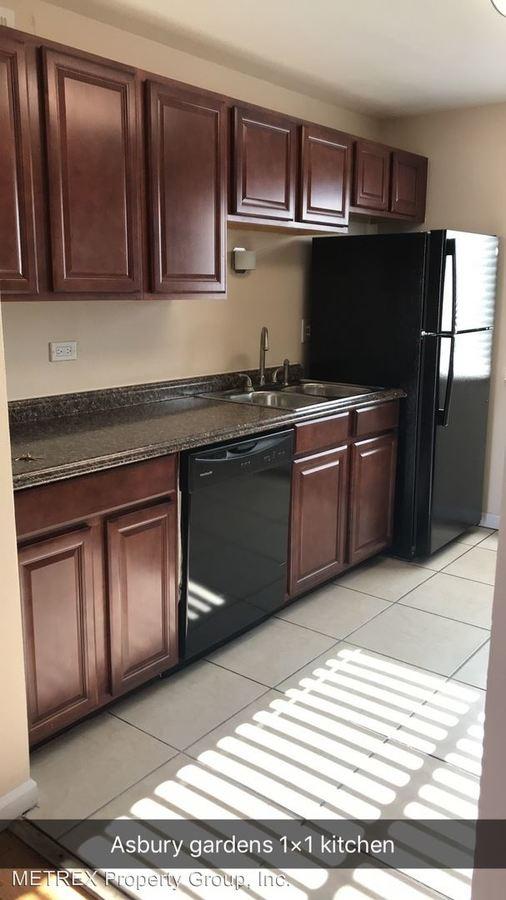 1 Bedroom 1 Bathroom Apartment for rent at 4640 E Asbury Cir in Denver, CO