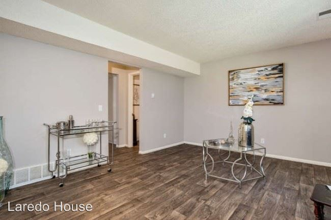 3 Bedrooms 1 Bathroom Apartment for rent at 16300 E 17th Pl in Aurora, CO