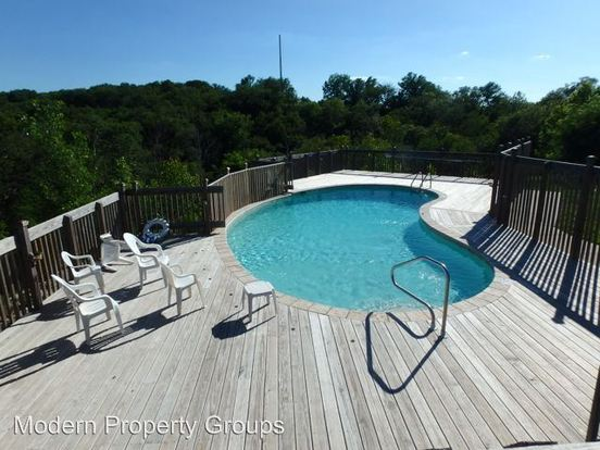 3 Bedrooms 3 Bathrooms Apartment for rent at 1312 White Oak Ln in Columbia, MO