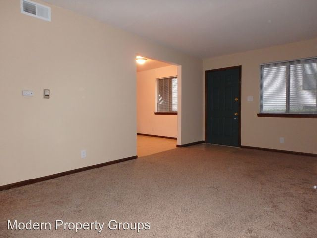 2 Bedrooms 1 Bathroom Apartment for rent at S 7-9 Old Hwy 63 in Columbia, MO