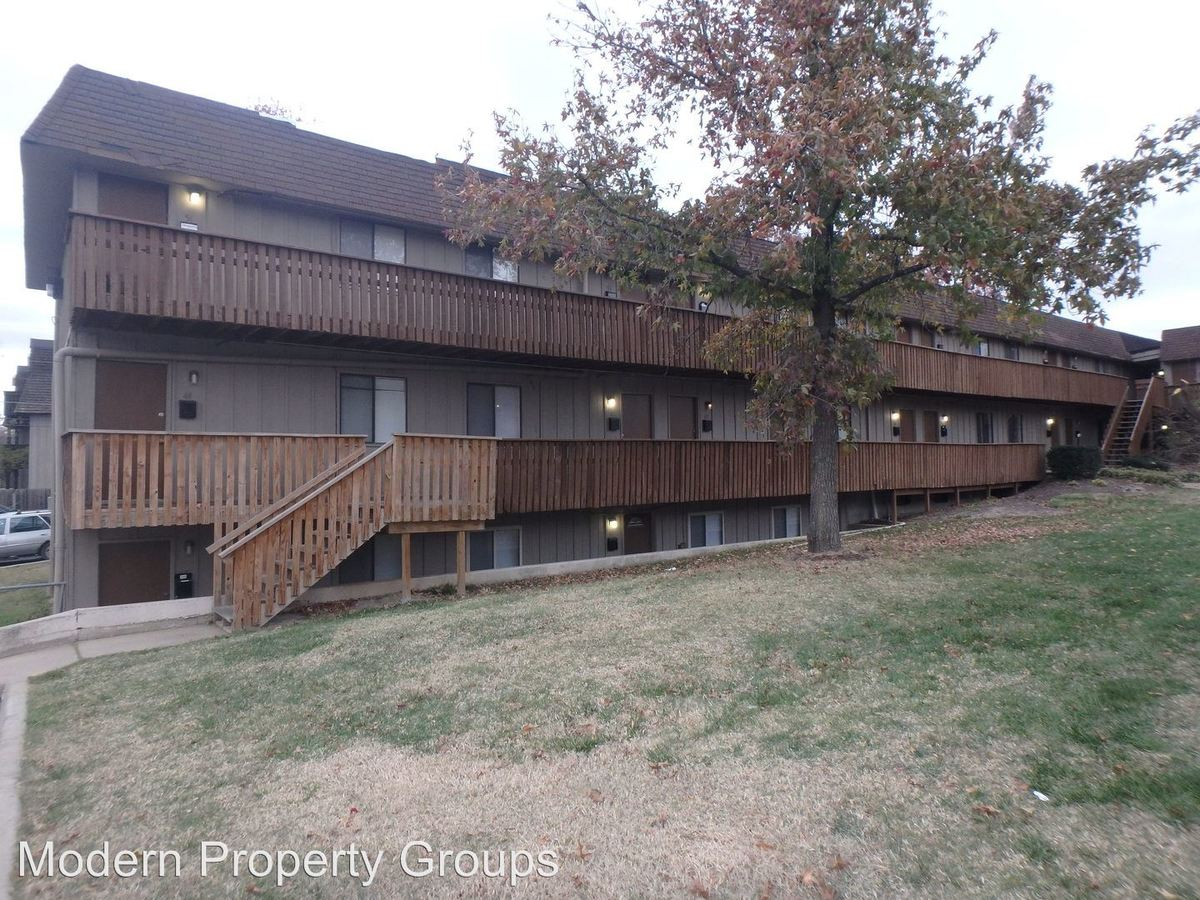 1 Bedroom 1 Bathroom Apartment for rent at 105 N Garth Ave in Columbia, MO