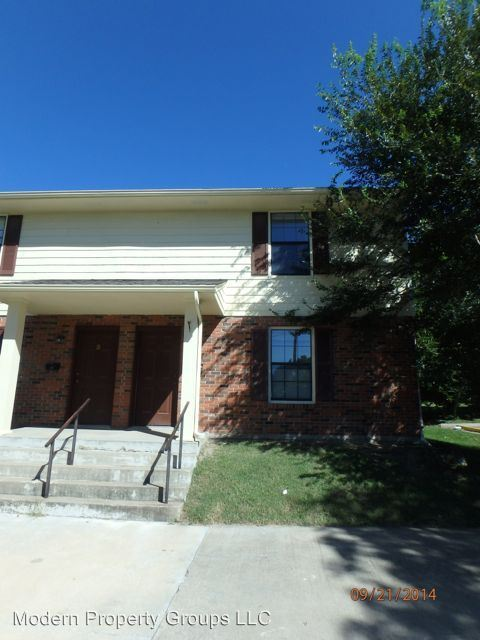 2 Bedrooms 1 Bathroom Apartment for rent at 900 Moss St in Columbia, MO