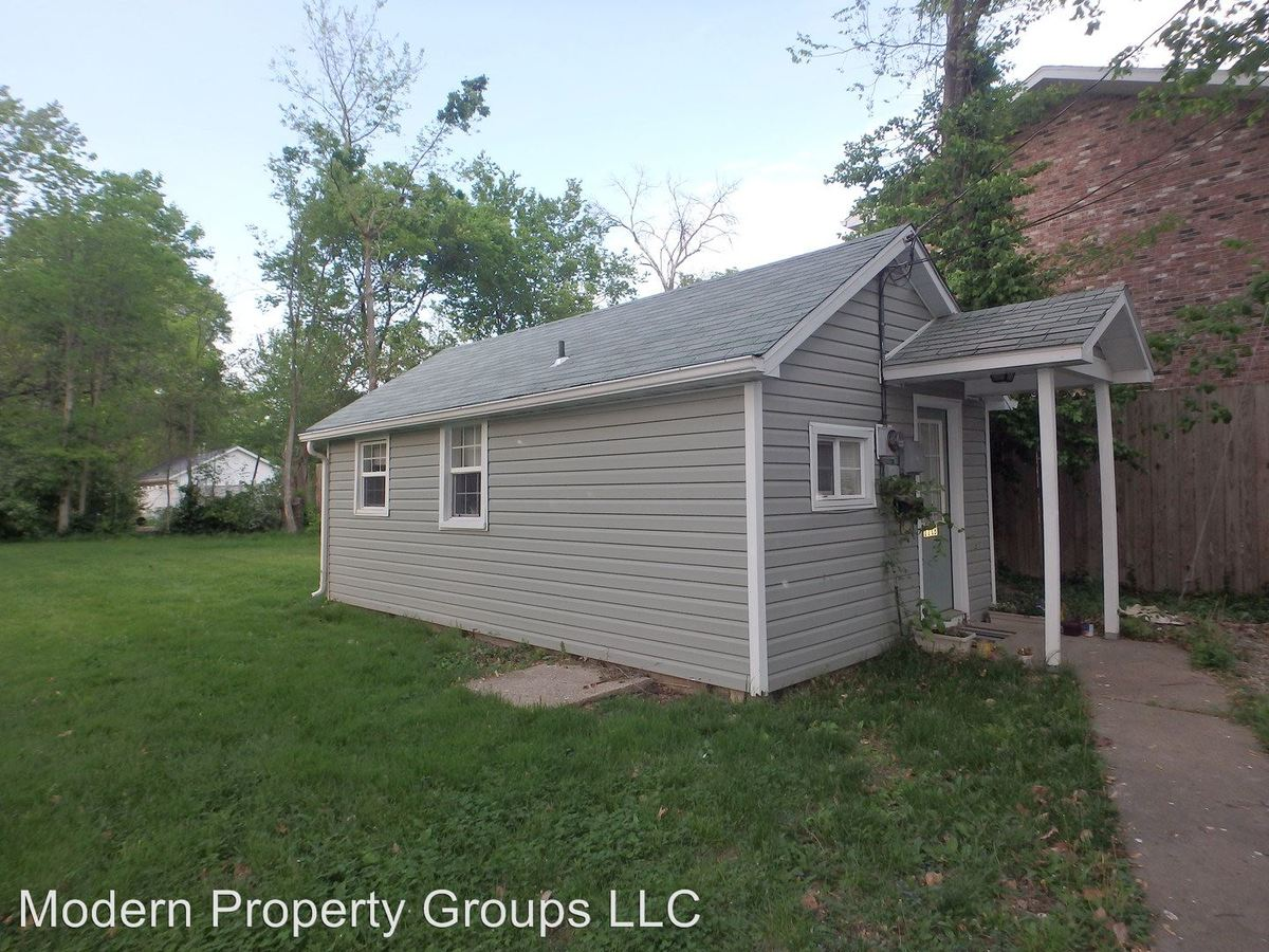 1 Bedroom 1 Bathroom Apartment for rent at 111 W Ash St in Columbia, MO