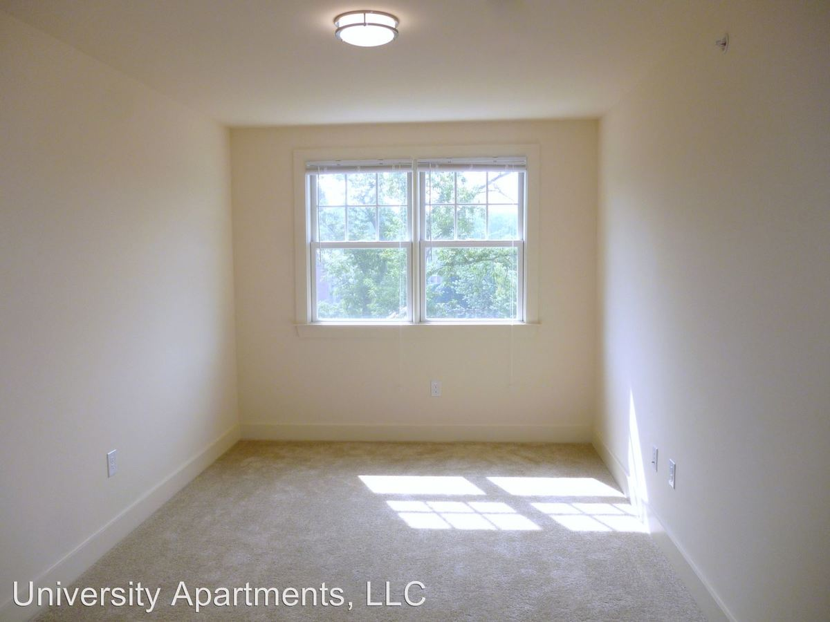 3 Bedrooms 2 Bathrooms Apartment for rent at 1029 Wertland Street in Charlottesville, VA