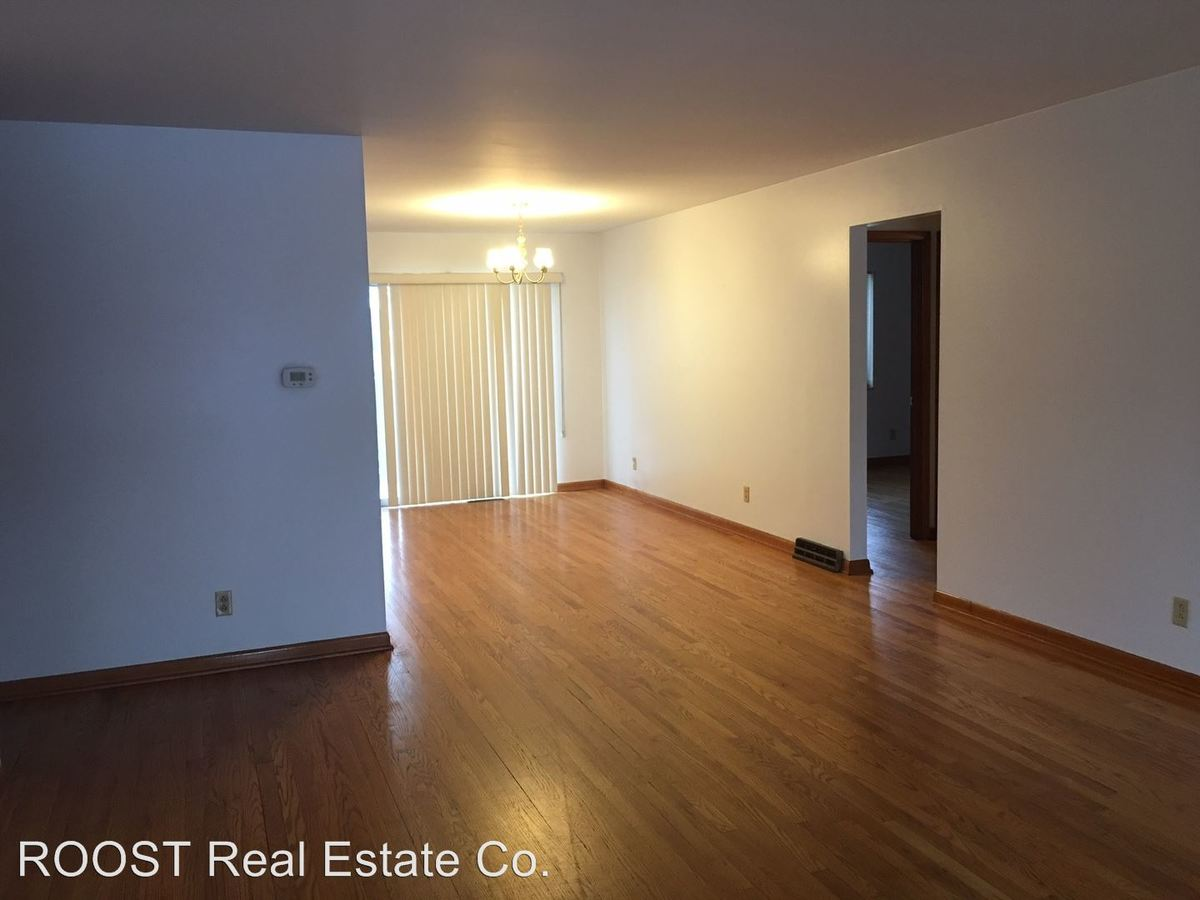 1 Bedroom 1 Bathroom Apartment for rent at 1101 Wilmington Avenue in Dayton, OH