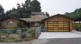Similar Apartment at 8207 S 116th St 1