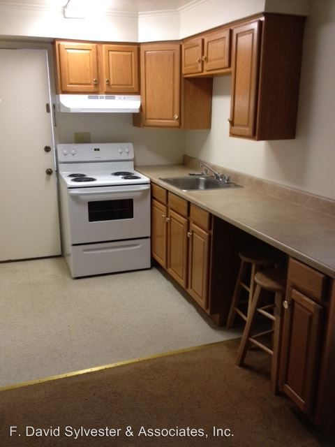 2 Bedrooms 1 Bathroom Apartment for rent at 401 Moon Clinton Road in Moon Township, PA