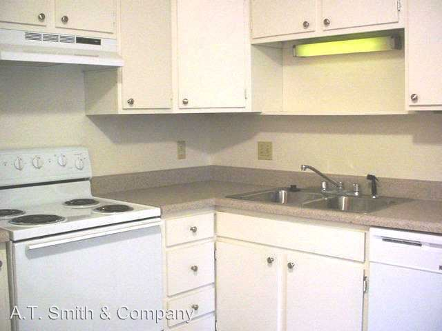 2 Bedrooms 1 Bathroom Apartment for rent at 211-221 & 212-222 S Balsam & 212-222 S. Carr St. in Lakewood, CO