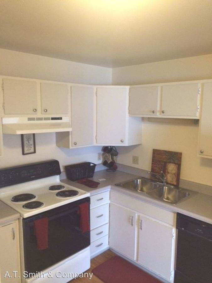 1 Bedroom 1 Bathroom Apartment for rent at 211-221 & 212-222 S Balsam & 212-222 S. Carr St. in Lakewood, CO