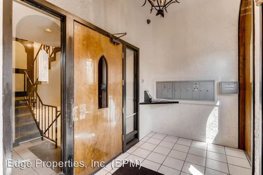 """Studio 1 Bathroom Apartment for rent at """"the Gaucho"""" 1201 Clarkson Street in Denver, CO"""