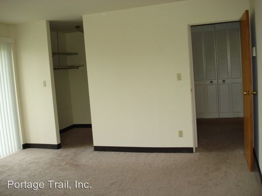 2 Bedrooms 2 Bathrooms Apartment for rent at Portage Trail East 540 E. Portage Tr. in Cuyahoga Falls, OH
