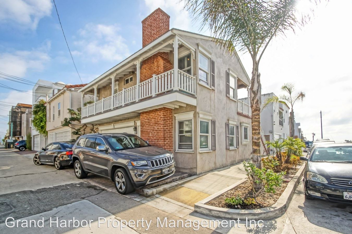 2 Bedrooms 2 Bathrooms Apartment for rent at 310 8th Street - 721 Crest Drive in Manhattan Beach, CA