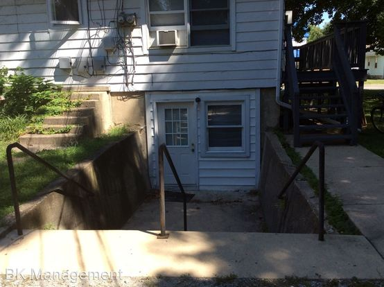 2 Bedrooms 1 Bathroom Apartment for rent at 609 Dodge Street in West Lafayette, IN