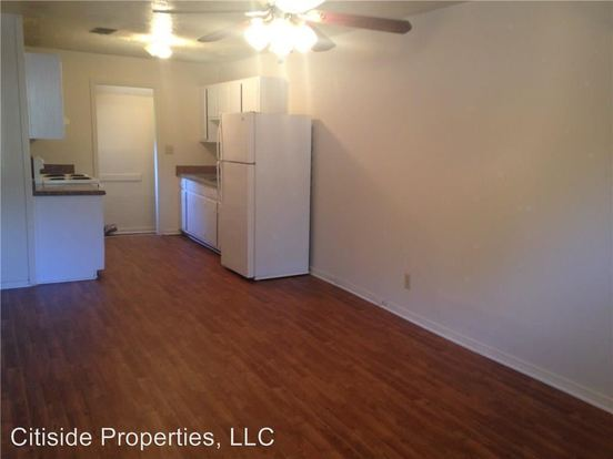 2 Bedrooms 1 Bathroom Apartment for rent at 1422 Vesta Ave in East Point, GA
