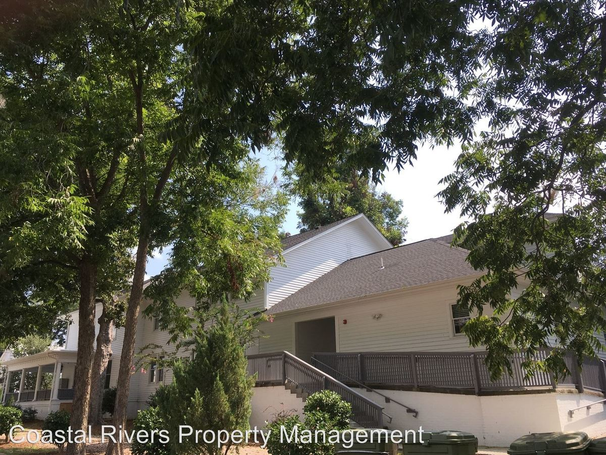 1 Bedroom 1 Bathroom Apartment for rent at 121 E 2nd Street in Washington, NC