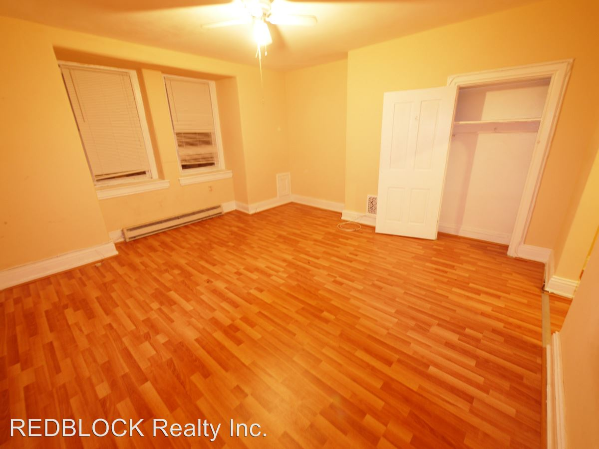 Studio 1 Bathroom Apartment for rent at 4423 Sansom St in Philadelphia, PA