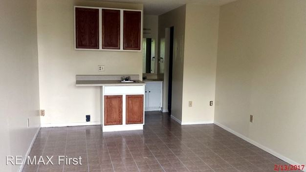 Studio 1 Bathroom Apartment for rent at 2218 Payne Ave in Alcoa, TN