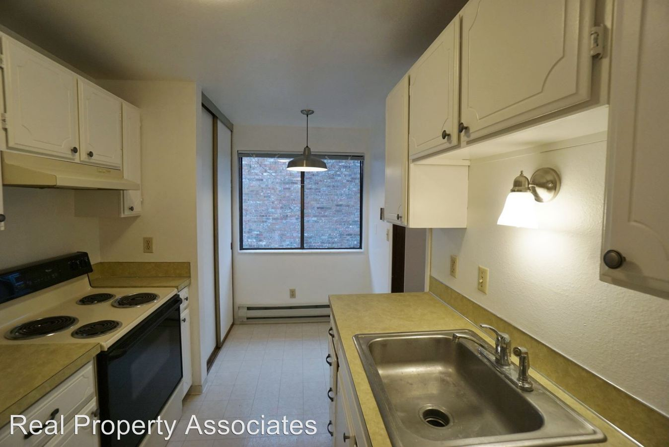 2 Bedrooms 2 Bathrooms Apartment for rent at 3428 25th Avenue W in Seattle, WA