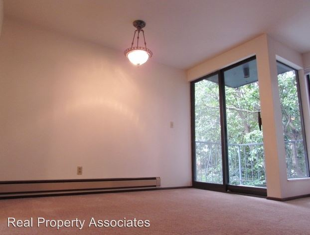 1 Bedroom 1 Bathroom Apartment for rent at 3428 25th Avenue W in Seattle, WA