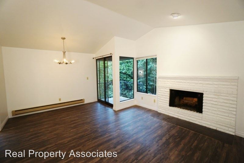 2 Bedrooms 1 Bathroom Apartment for rent at 3428 25th Avenue W in Seattle, WA
