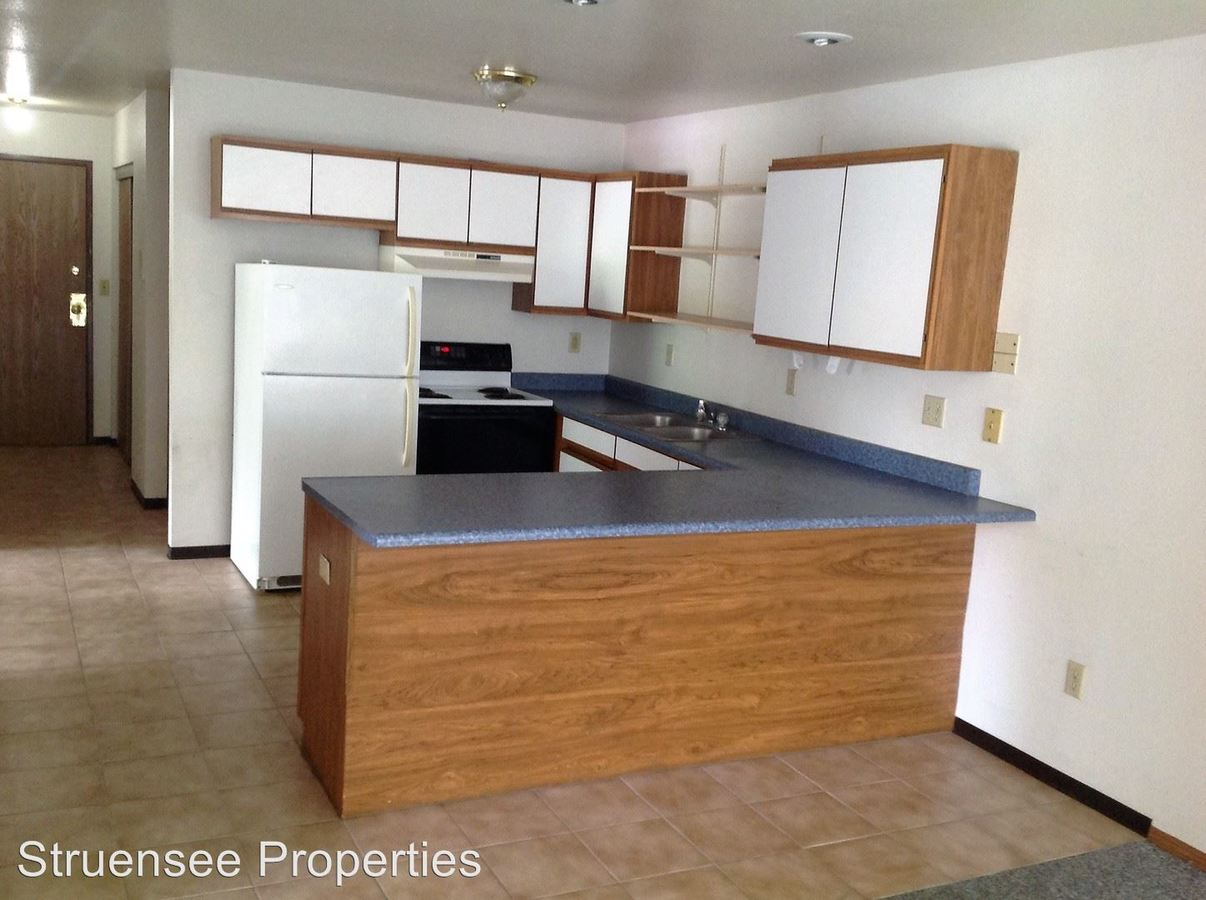 4 Bedrooms 1 Bathroom Apartment for rent at 720 Cherry Street in Oshkosh, WI