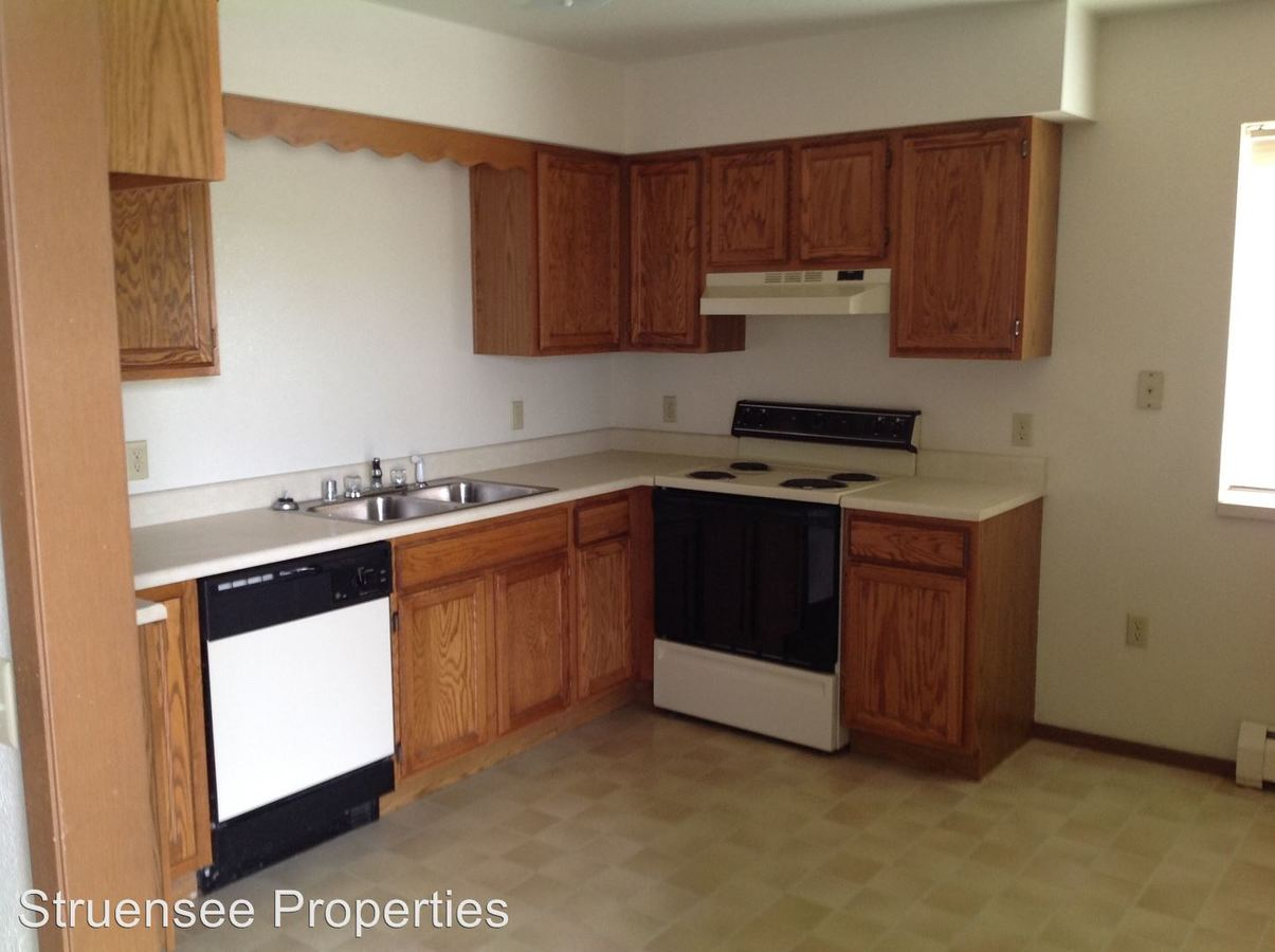 2 Bedrooms 1 Bathroom Apartment for rent at 4474 Jacktar Road in Oshkosh, WI