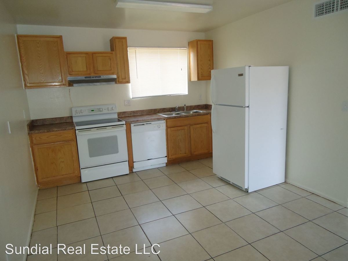 2 Bedrooms 1 Bathroom Apartment for rent at 9514 N. 8th St in Phoenix, AZ