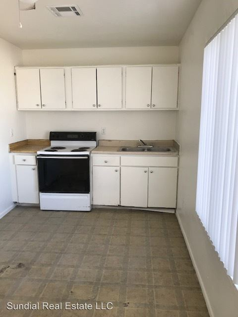 2 Bedrooms 1 Bathroom Apartment for rent at 398 N 20th Dr. in Phoenix, AZ