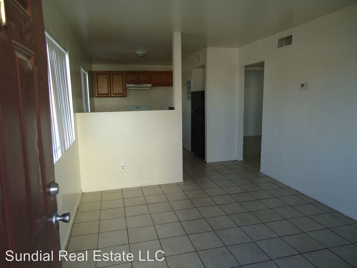 2 Bedrooms 1 Bathroom Apartment for rent at 1018 N 22nd Pl in Phoenix, AZ