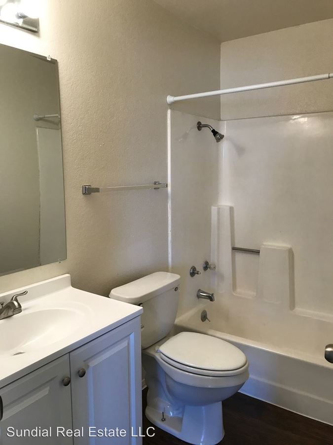 2 Bedrooms 2 Bathrooms Apartment for rent at 7211 N 54th Ave in Glendale, AZ