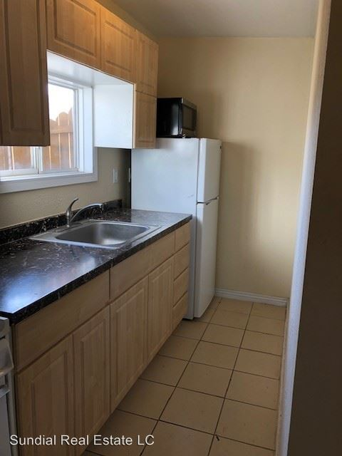 Studio 1 Bathroom Apartment for rent at 1811 N 31st St in Phoenix, AZ