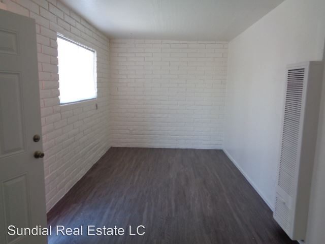 1 Bedroom 1 Bathroom Apartment for rent at 9411 N. 13th Ave. in Phoenix, AZ