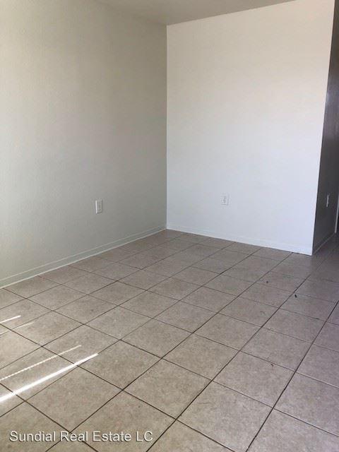 Studio 1 Bathroom Apartment for rent at 1846 E Washington St in Phoenix, AZ