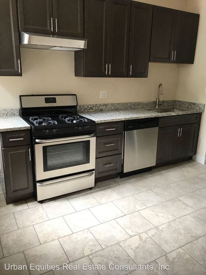 3 Bedrooms 1 Bathroom Apartment for rent at Clarendon Apartments, Llc 4140-44 N. Clarendon in Chicago, IL