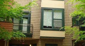 Similar Apartment at 3332 Se Alder Street