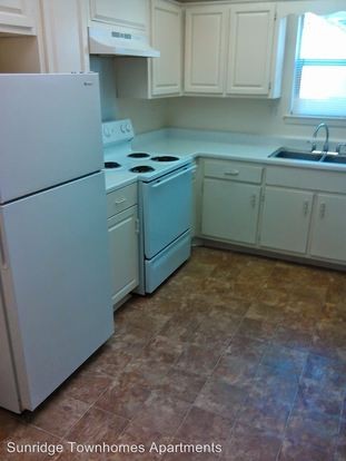3 Bedrooms 2 Bathrooms Apartment for rent at 2880 Beverly Hills Road in Memphis, TN