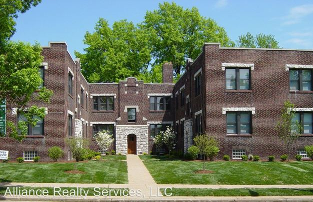 3 Bedrooms 1 Bathroom Apartment for rent at 3815 3819 Wilmington in St Louis, MO