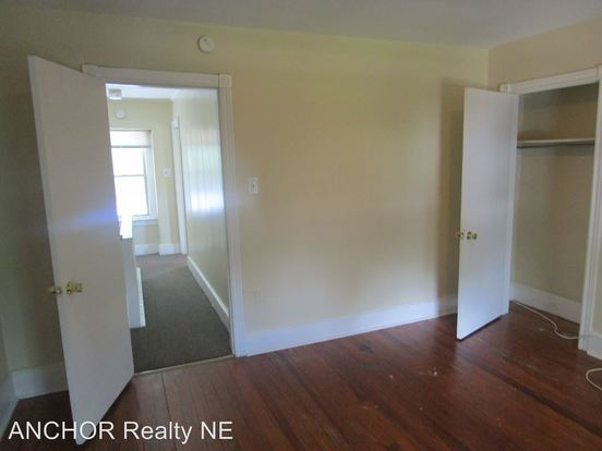 2 Bedrooms 1 Bathroom Apartment for rent at 111 Ryers Ave. in Cheltenham, PA