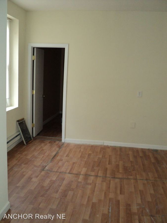 1 Bedroom 2 Bathrooms Apartment for rent at 611 W. Norris St. in Philadelphia, PA