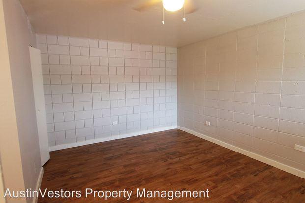 Studio 1 Bathroom Apartment for rent at 901 & 903 Springdale Rd in Austin, TX