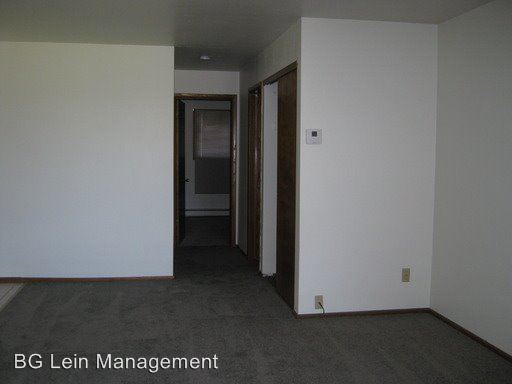 2 Bedrooms 1 Bathroom Apartment for rent at 5613-5645 W. Valley Forge Drive 833-907 N. Hawley Road in Milwaukee, WI