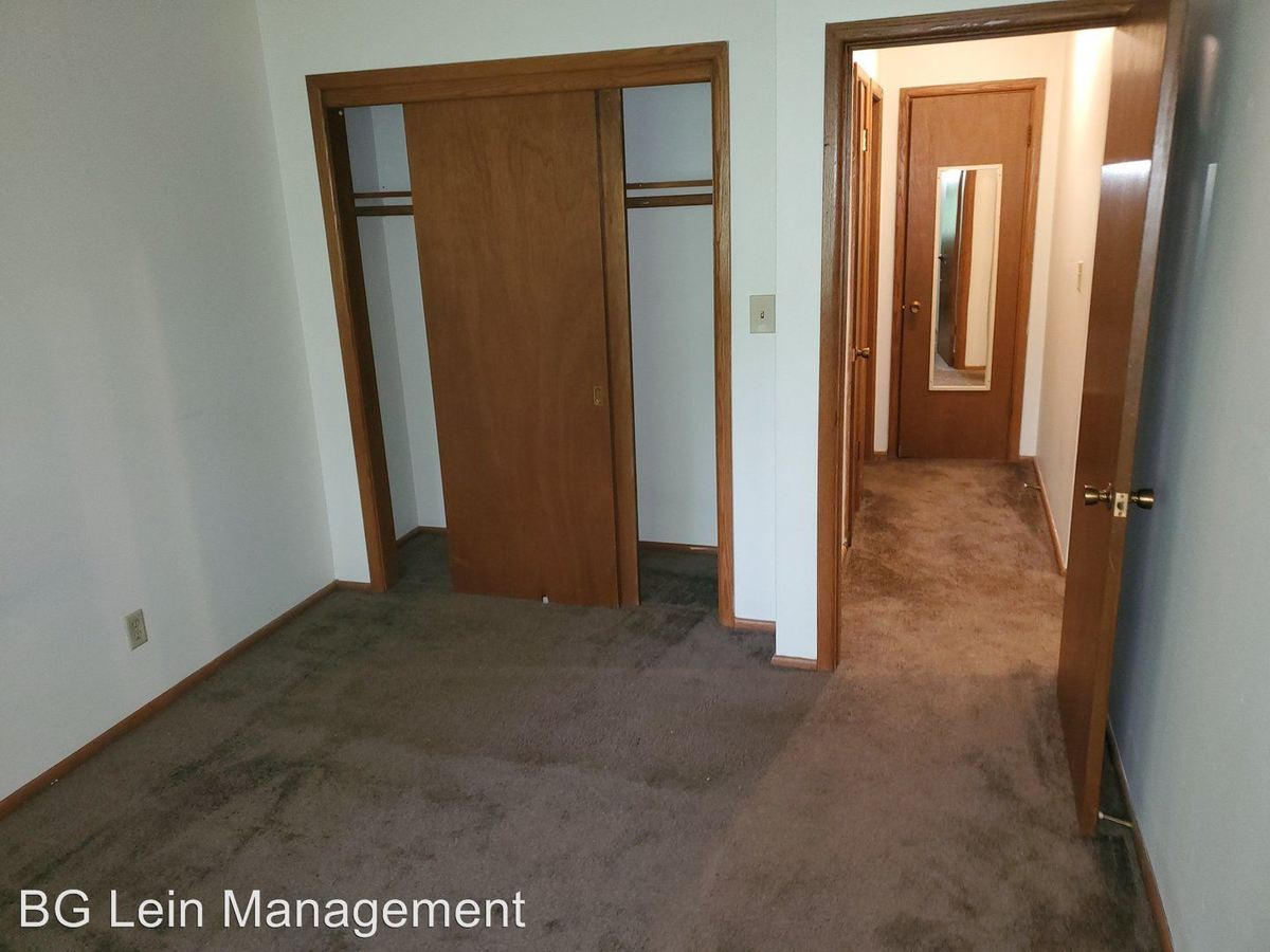 2 Bedrooms 1 Bathroom Apartment for rent at 3778 S. 84th Street in Milwaukee, WI