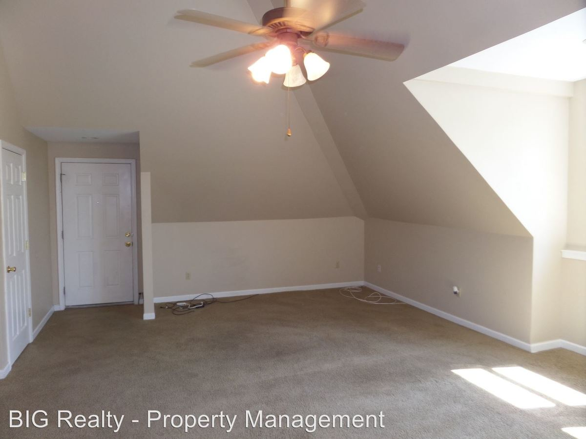 2 Bedrooms 1 Bathroom Apartment for rent at 477 E Main St in Collegeville, PA