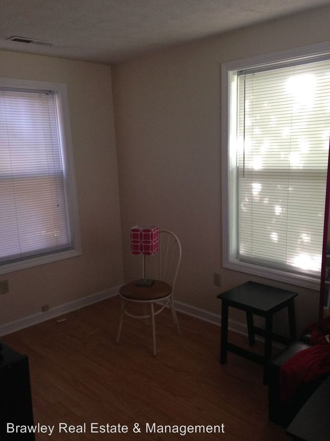 2 Bedrooms 1 Bathroom Apartment for rent at 203 E. 10th Street in Bloomington, IN