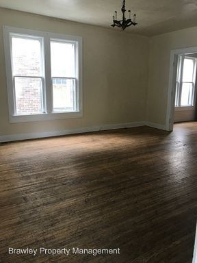 5 Bedrooms 3 Bathrooms Apartment for rent at 424 E. 6th Street in Bloomington, IN