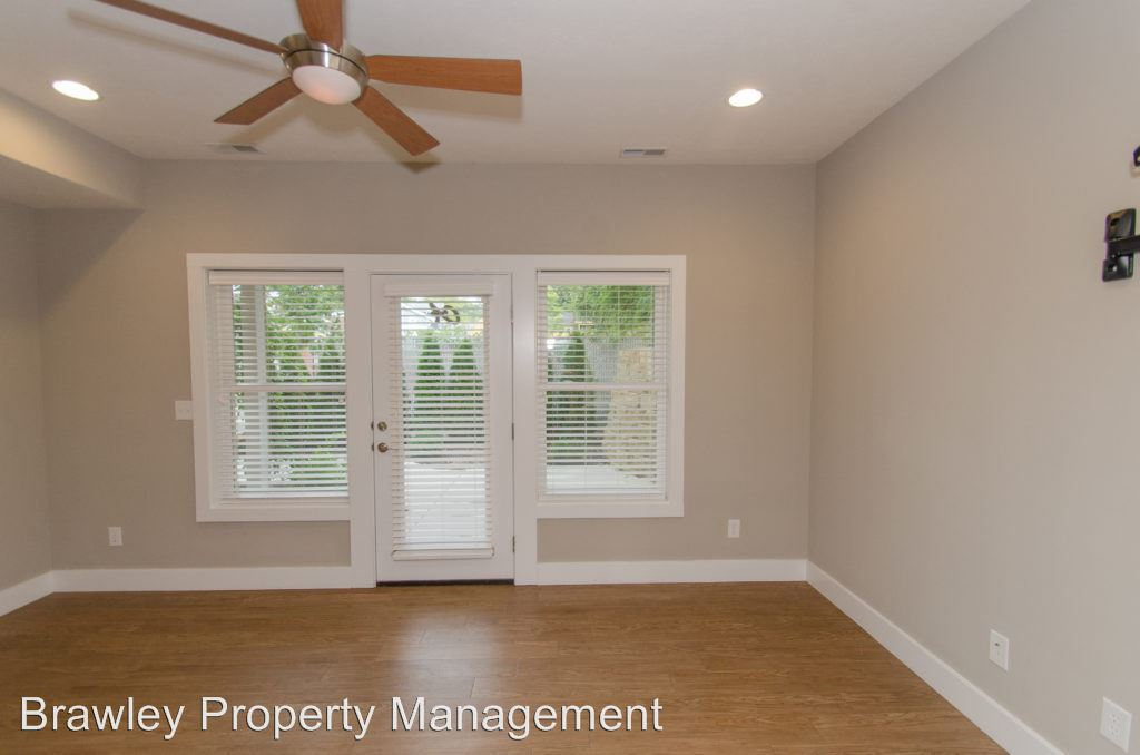 3 Bedrooms 2 Bathrooms Apartment for rent at 414 E 4th Street in Bloomington, IN