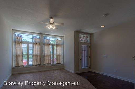 4 Bedrooms 4+ Bathrooms Apartment for rent at 384 S. Washington St in Bloomington, IN