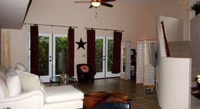 Similar Apartment at 3133 N Olsen Ave