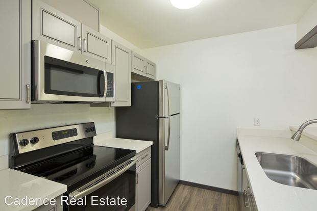 1 Bedroom 1 Bathroom Apartment for rent at 6040 California Ave Sw in Seattle, WA